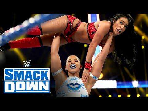 """منصات WWE تروج """"لهيل إن سيل"""" طيلة يوم العرض"""