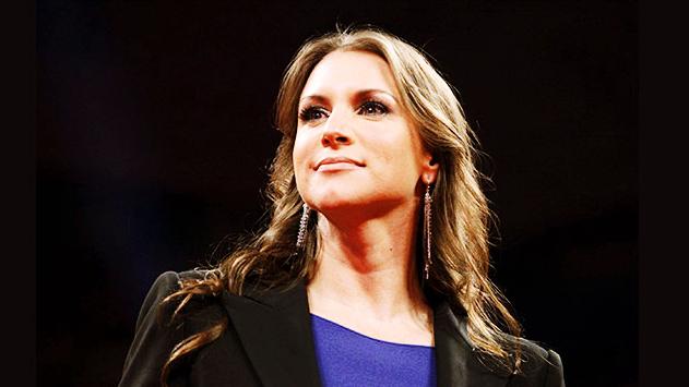 ما هي التحديات أمام WWE في المستقبل؟ وهل هناك منافسة لها برأي ستيفاني مكمان؟