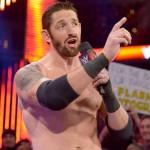 باد نيوز باريت يعوض سيث رولنز ويتصدر عرض WWE المحلي