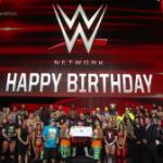 بعد انتهاء عرض الرو|| WWE تحتفل بمرور عام على الشبكة (صور)