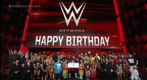 بعد انتهاء عرض الرو   WWE تحتفل بمرور عام على الشبكة (صور) ألبومات صور المصارعة كل الأخبار  عرض الرو بعد انتهاء عرض الرو أخبار المصارعة 2015