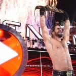 متى علم سيث رولنز بفوزه ببطولة WWE للوزن الثقيل ؟