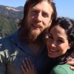 براين وبري يحتفلان بزواجهما، مصارع سابق خلف كواليس سماكداون