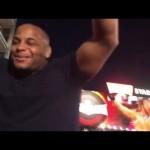 بطل UFC يتدرب على قاضية رولينز وتربل اتش