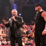 كيرت أنجل يتحدث عن مشكلة هوجان وبيشوف في TNA