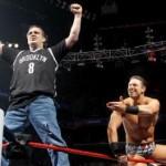 WWE تطرد موظف ومصارع بعد 30 عام من العمل