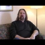 جيم دوغان يدافع عن فينس مكمان (فيديو)