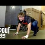 شاهد كيف يستعد دين أمبروز قبل الدخول إلى الحلبة (فيديو)