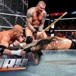 شاهد أعنف ضربات لمصارعين WWE (فيديو)