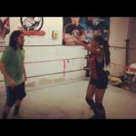 المذيعة إيدن تتحوّل لمصارعة محترفة وتوقع مع اتحاد TNA!
