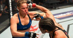 وجهة نظر: روندا روزي.. اسطورة صنعها الاعلام وحطمها حقدنا تقارير وتحليلات فنية كل الأخبار  عرض UFC 207 سي ام بانك روندا روزي رومان رينز ذا روك جون سينا