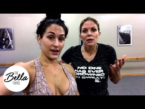 نكي بيلا تكشف عن اصابتها من اعتداء نتاليا (فيديو)، ما هو افضل قسم للسيدات؟