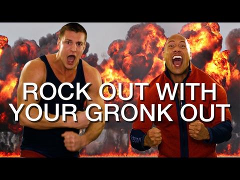 ذا روك يحتفل بجنون وبصورة طريفة، ارتفاع كبير لأسهم WWE