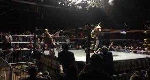 كودي رودس يضرب زوجته براندي أمام الجماهير (فيديو) كل الأخبار  كودي رودس أخبار المصارعة الحرة 2017 أخبار المصارعة 2017