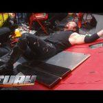 شاهد أكثر لحظات السقوط التي تسبب بألم مبرح للمصارعين في WWE (فيديو)