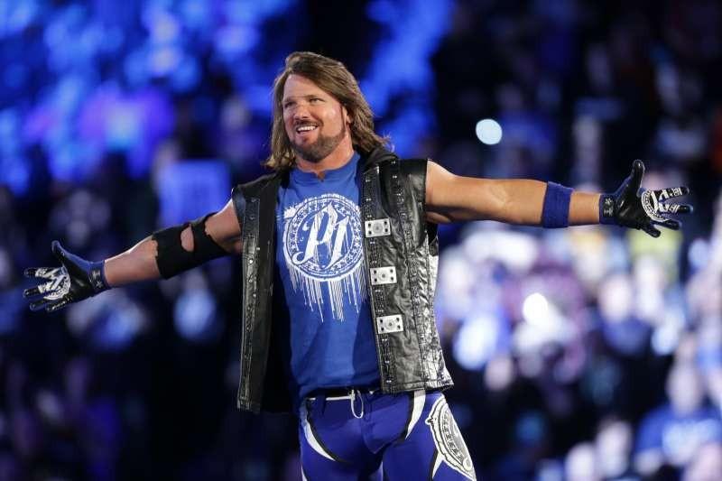 ماذا حدث بعد انتهاء الرو؟ من أهم مصارع في WWE برأي الجماهير؟
