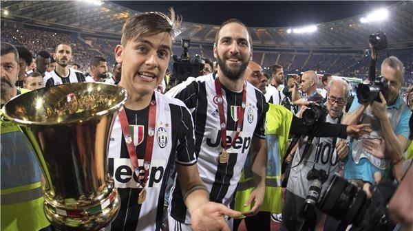 يوفنتوس يتوج بطلاً لكأس إيطاليا بالفوز على لاتسيو