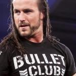 كيني أوميجا يعود ويقوم بطرد آدم كول من عصابة Bullet Club
