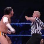 أبرز 10 مواقف ضرب فيها الحكام المصارعين في WWE (فيديو)