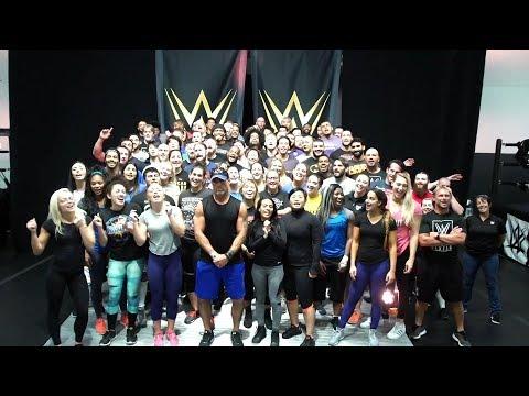 نجوم NXT يهنئون تربل اتش على طريقتهم الخاصة وWWE تستذكر أول فوز له باللقب