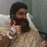 ميك فولي يخضع لعملية جراحية، كم يبلغ بول هيمان من العمر؟